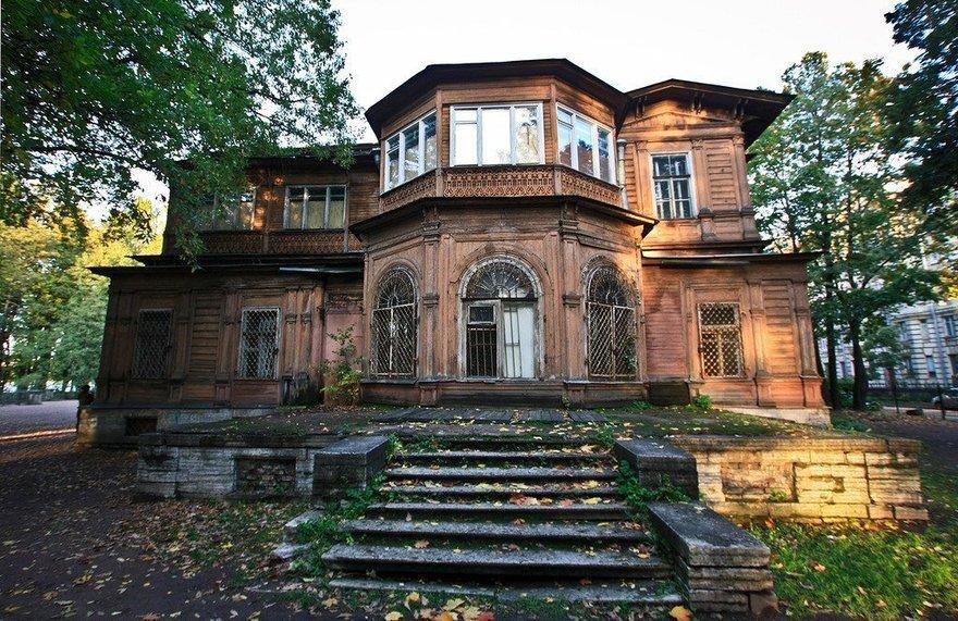 Дача Громова и Лопухинский сад