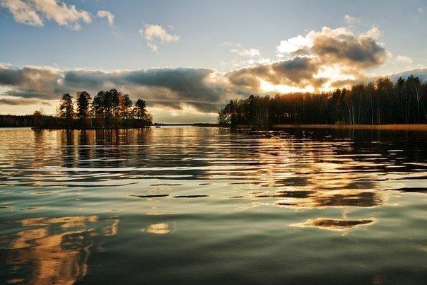 Десять самых красивых озер Петербурга и области