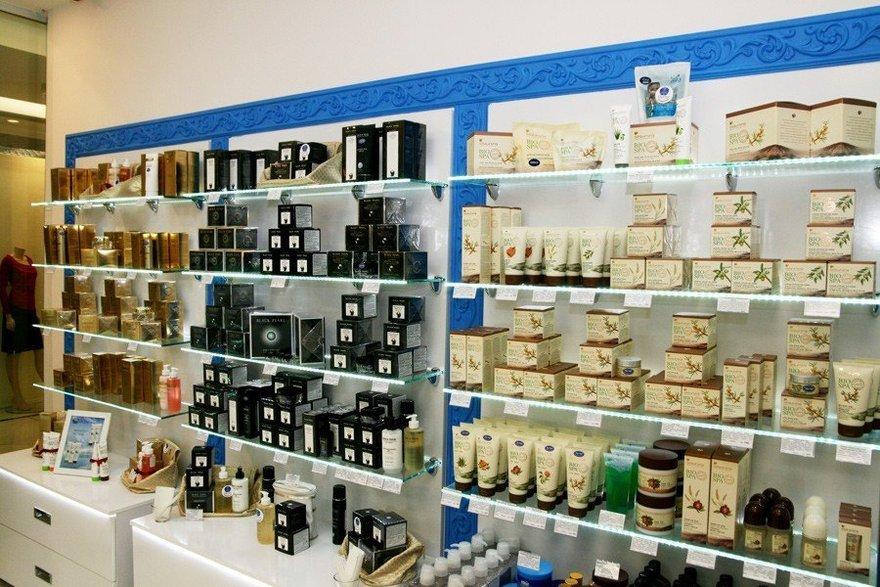 Где можно купить израильскую косметику в москве natulique косметика для волос купить