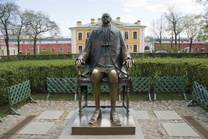 Памятник с ангелом Михайловск Эконом памятник Башня с профильной резкой Тольятти