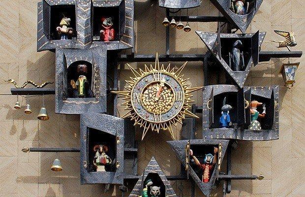 Знаменитые кукольные часы театра Образцова