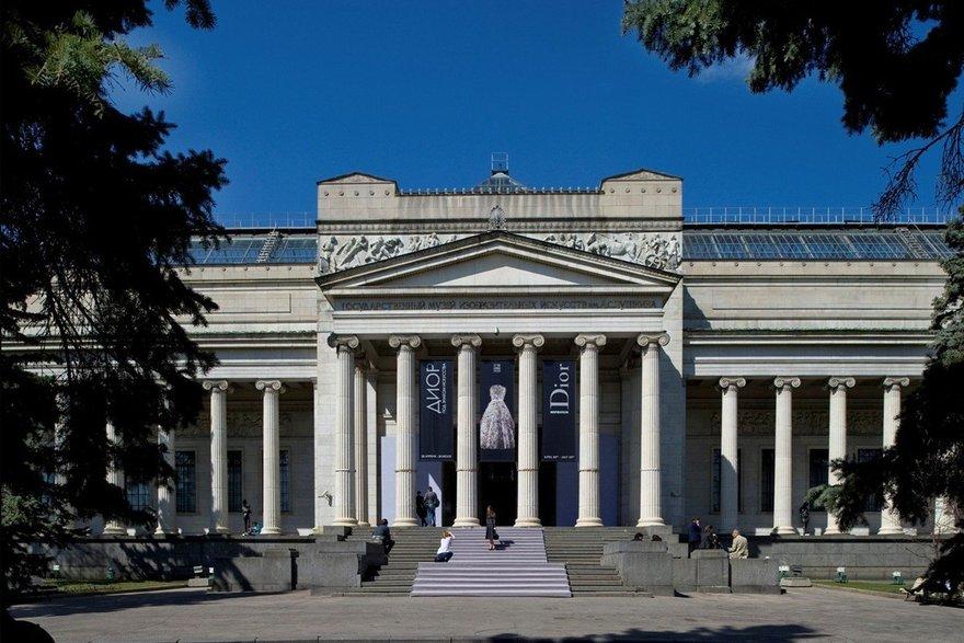 макрос человеком пушкинский музей изобразительных искусств фото захватывающая история