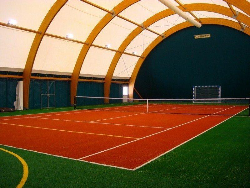 Закрытый теннисный клуб зенит футбольный клуб москва