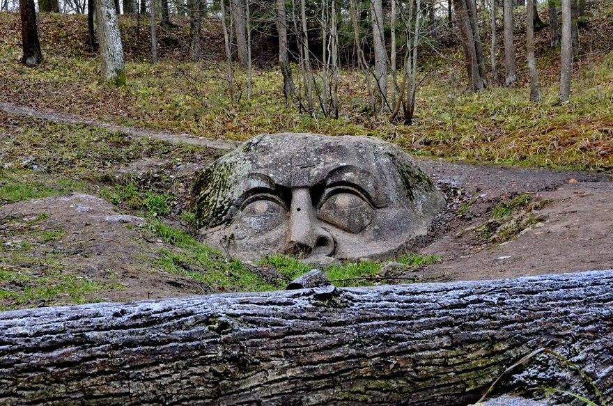 Камень-голова