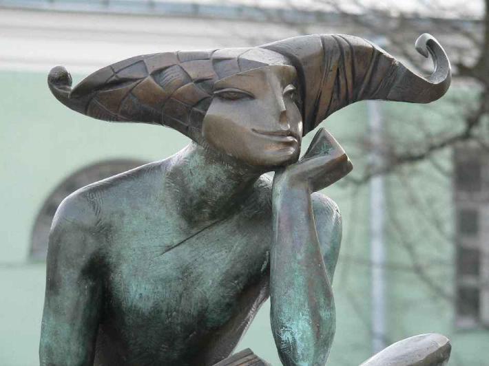 30 самых необычных скульптур в Петербурге