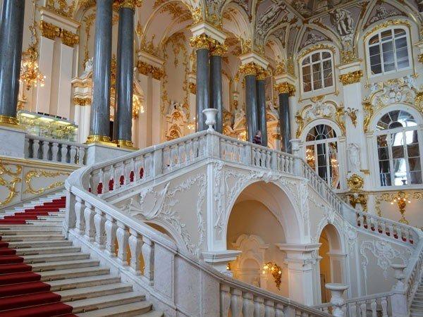Пять историй о центральных лестницах Эрмитажа