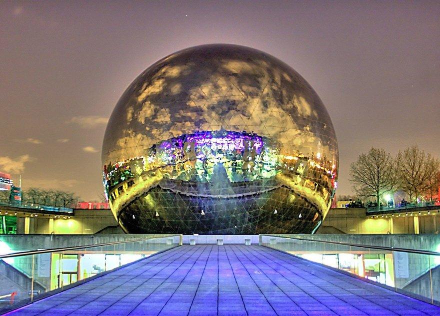 Большой сферический кинотеатр построят в городе