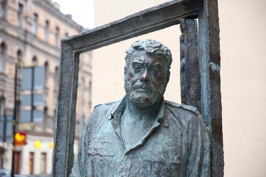 Цена на памятники санкт петербурга и его 7 жизней памятники тюмень фото ребенка на 17 неделе
