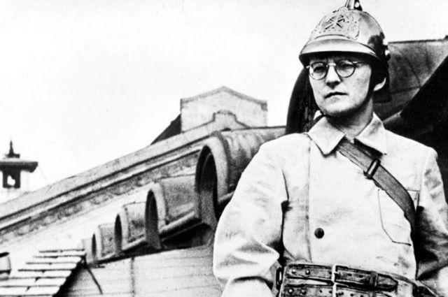 Дмитрий Шостакович тушил зажигательные бомбы